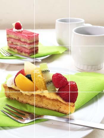 ケーキの高さを強調した縦アングル