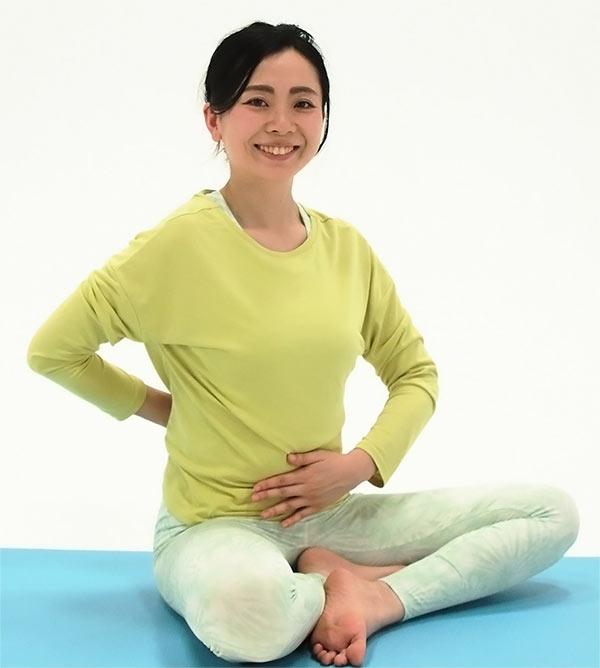 寝る前10分!腸活ヨガで免疫力アップ ~便秘の改善&美肌効果~