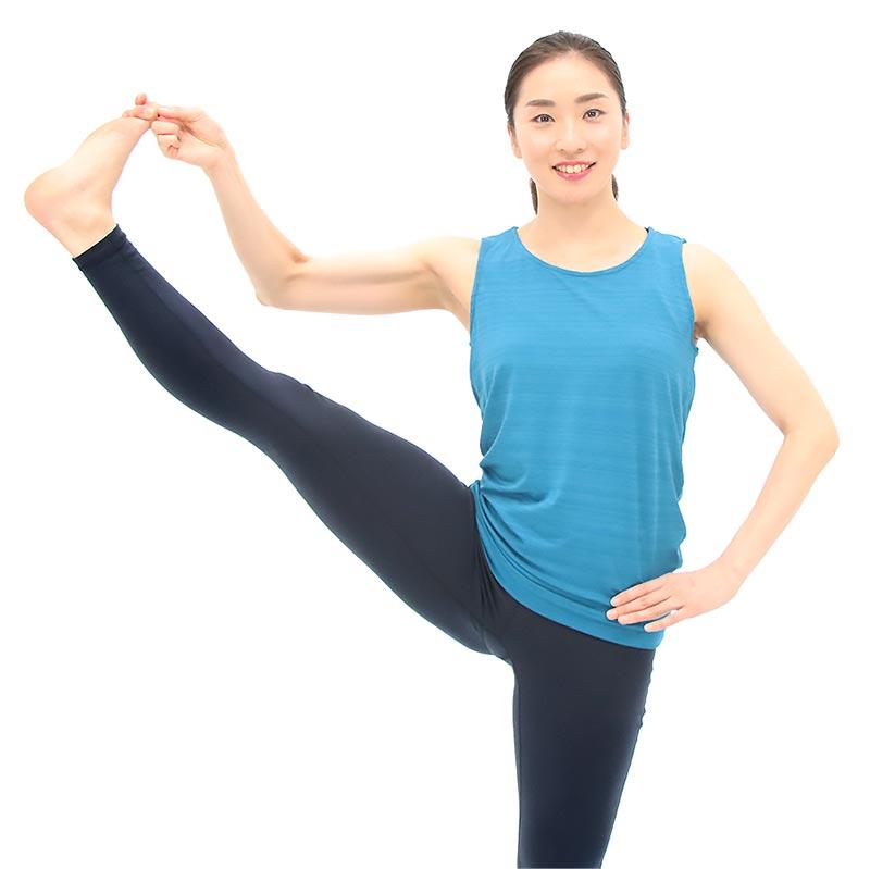 股関節がうまく働かないと骨盤が前や後ろに傾く。