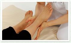 足のストレッチ&マッサージ3