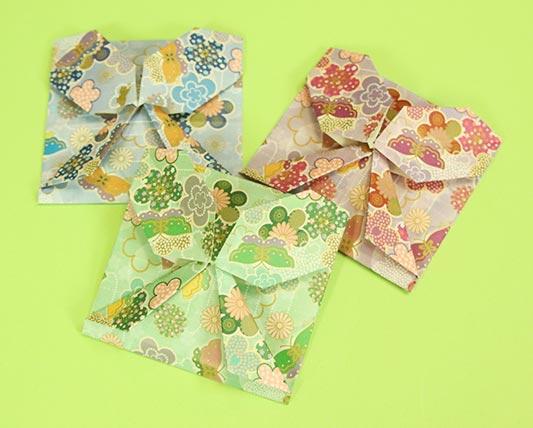 お手紙を可愛らしく蝶々の形にする折り方です。