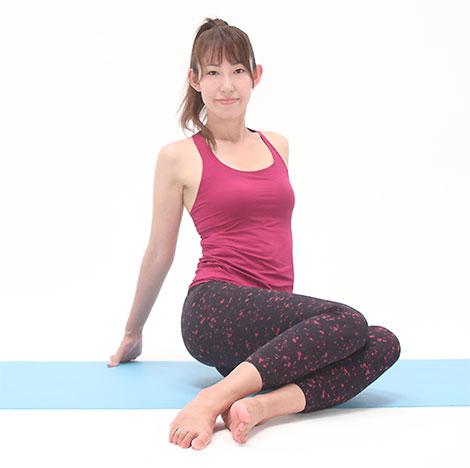 パタパタしながら、骨盤周りの筋肉をストレッチしましょう。