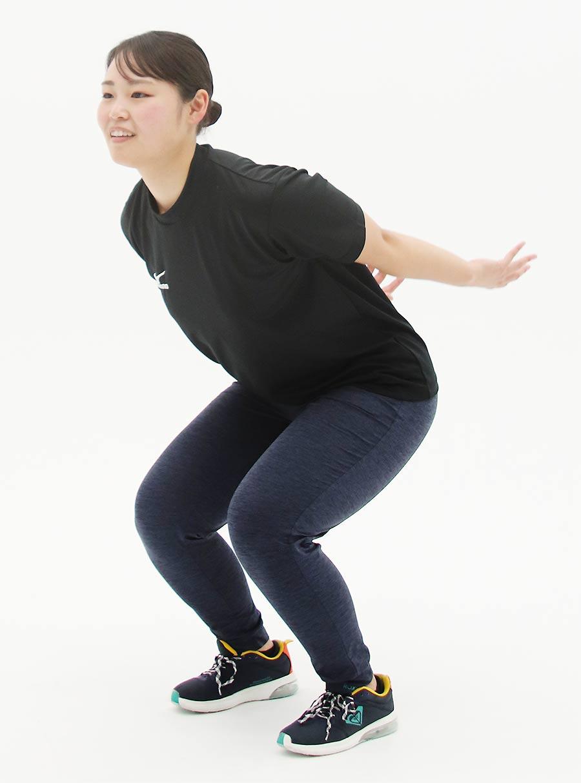 ひざを柔らかく使って、リズミカルに連続して行うことがポイント