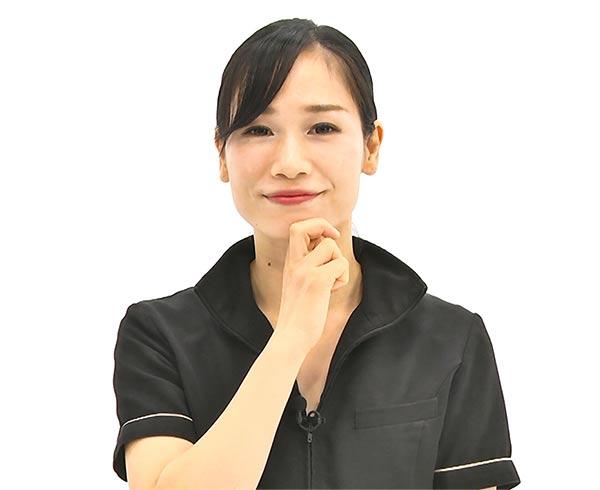手は固定し顔を下へ動かすとやりやすいです。