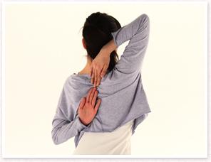 肩まわりの柔軟性をチェック(肩甲骨の可動域)