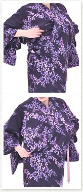 下前の布がもたつくので、左胸の下に収納し、右の布地のシワを伸ばして下ろします。